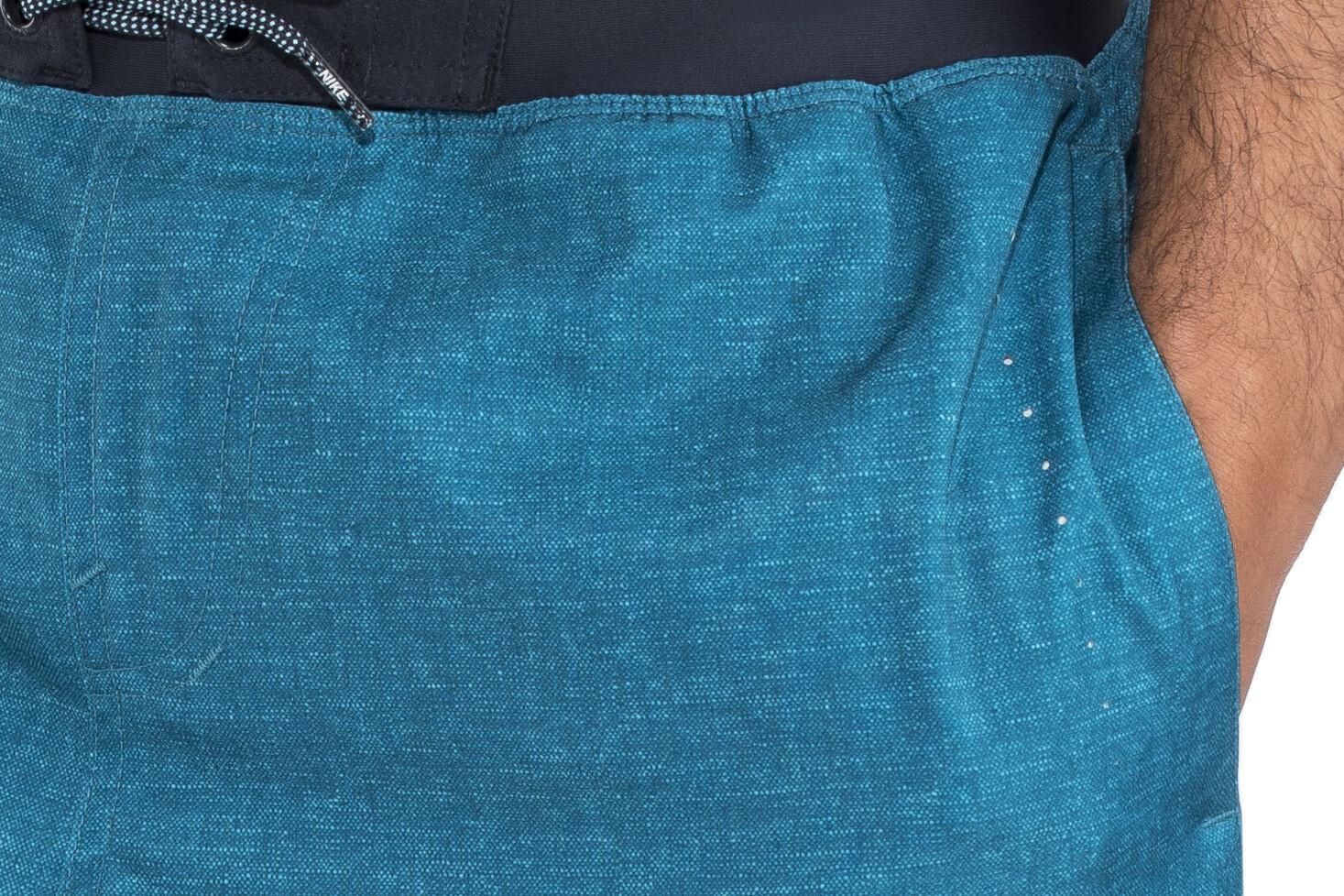 38175636fe Nike Swim Linen Blade 5 Bathing Trunk Men green/blue at Bikester.co.uk